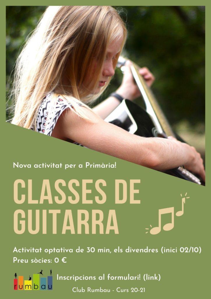 niña tocando guitarra